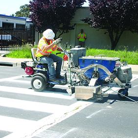 Машина за полагане на хоризонтална пътна маркировка с термопластик бои