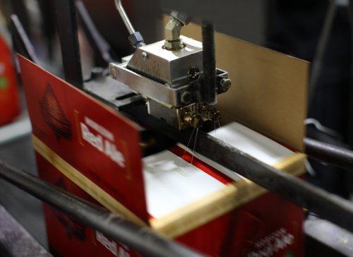 Системи за залепване на кутии и кашони и заливане на електронни компоненти